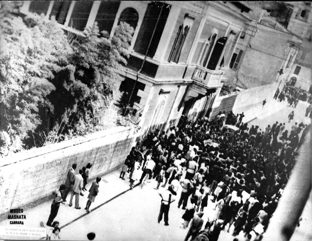 2_la manifestazione dell'11 luglio 1944 davanti al comando tedesco