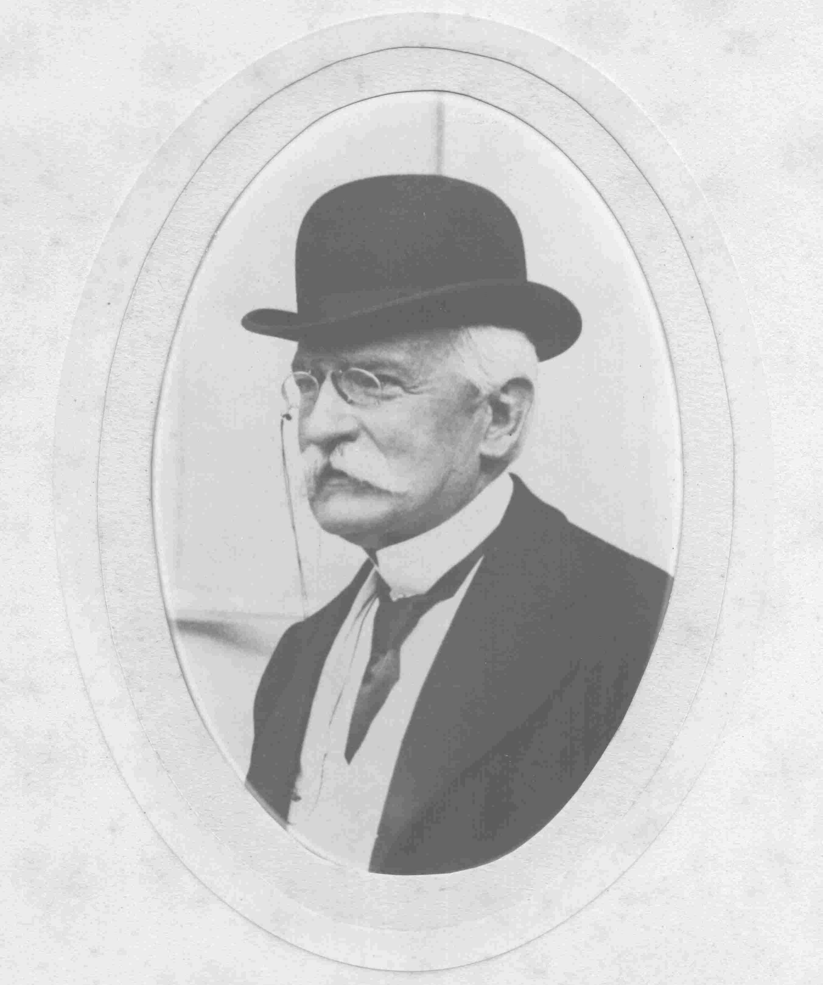 Ritratto di Sidney Sonnino (gentile concessione dell'Archivio Sidney Sonnino Montespertoli)