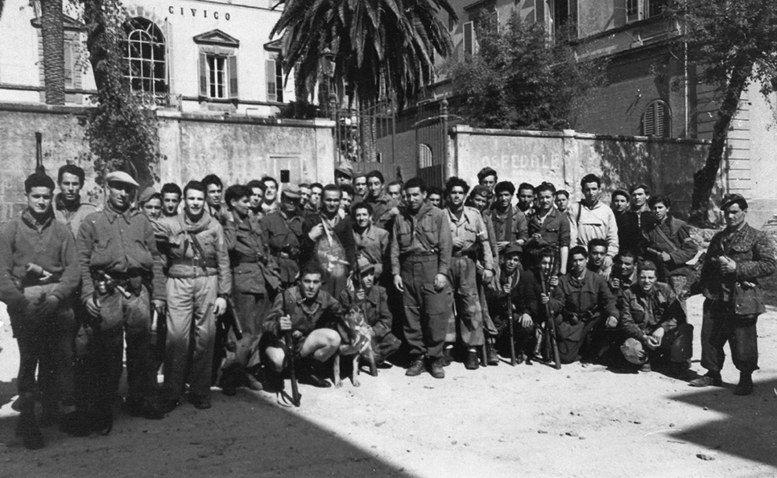 27 aprile 1945 tutta la provincia di apuania libera for Citta tedesca nota per le fabbriche di auto