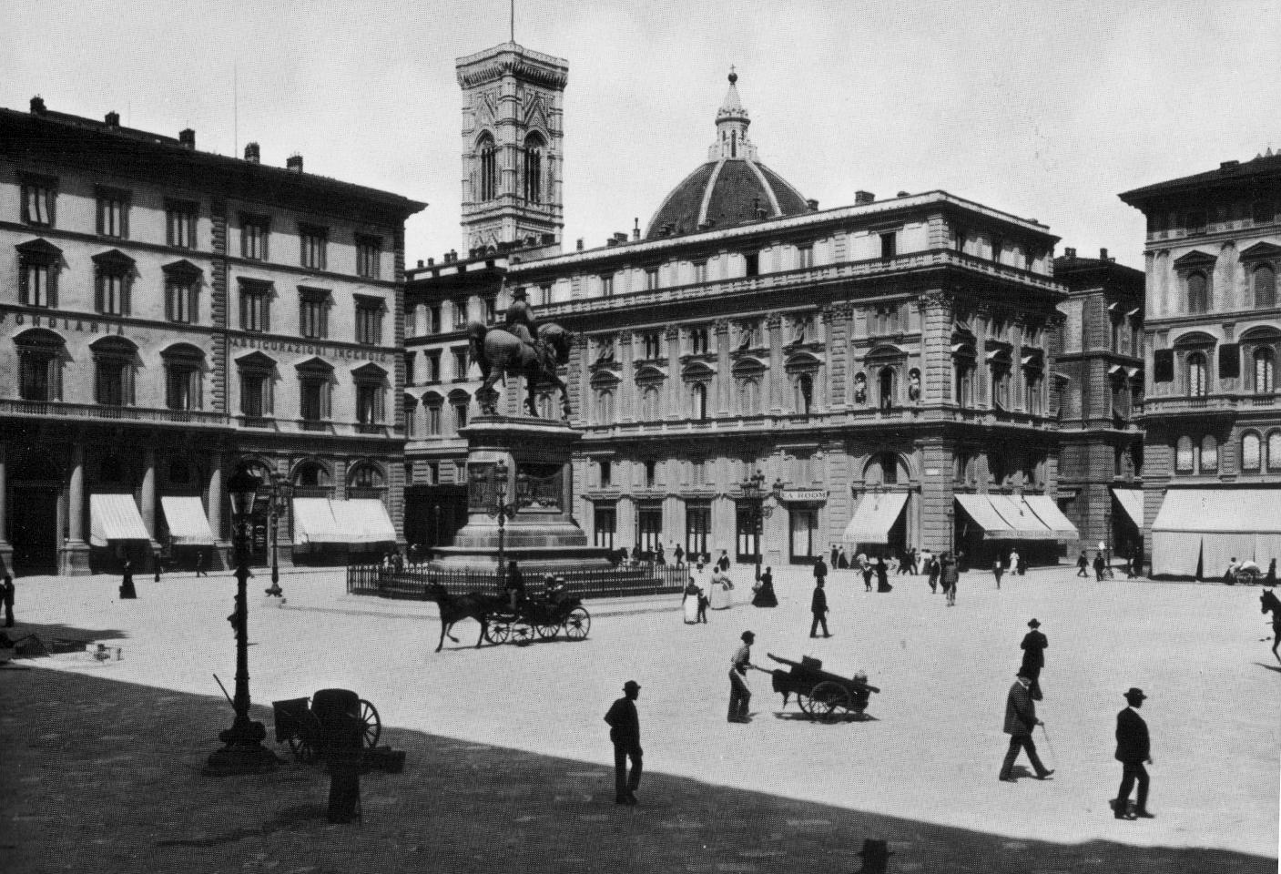 3. Piazza_della_repubblica_in_1895