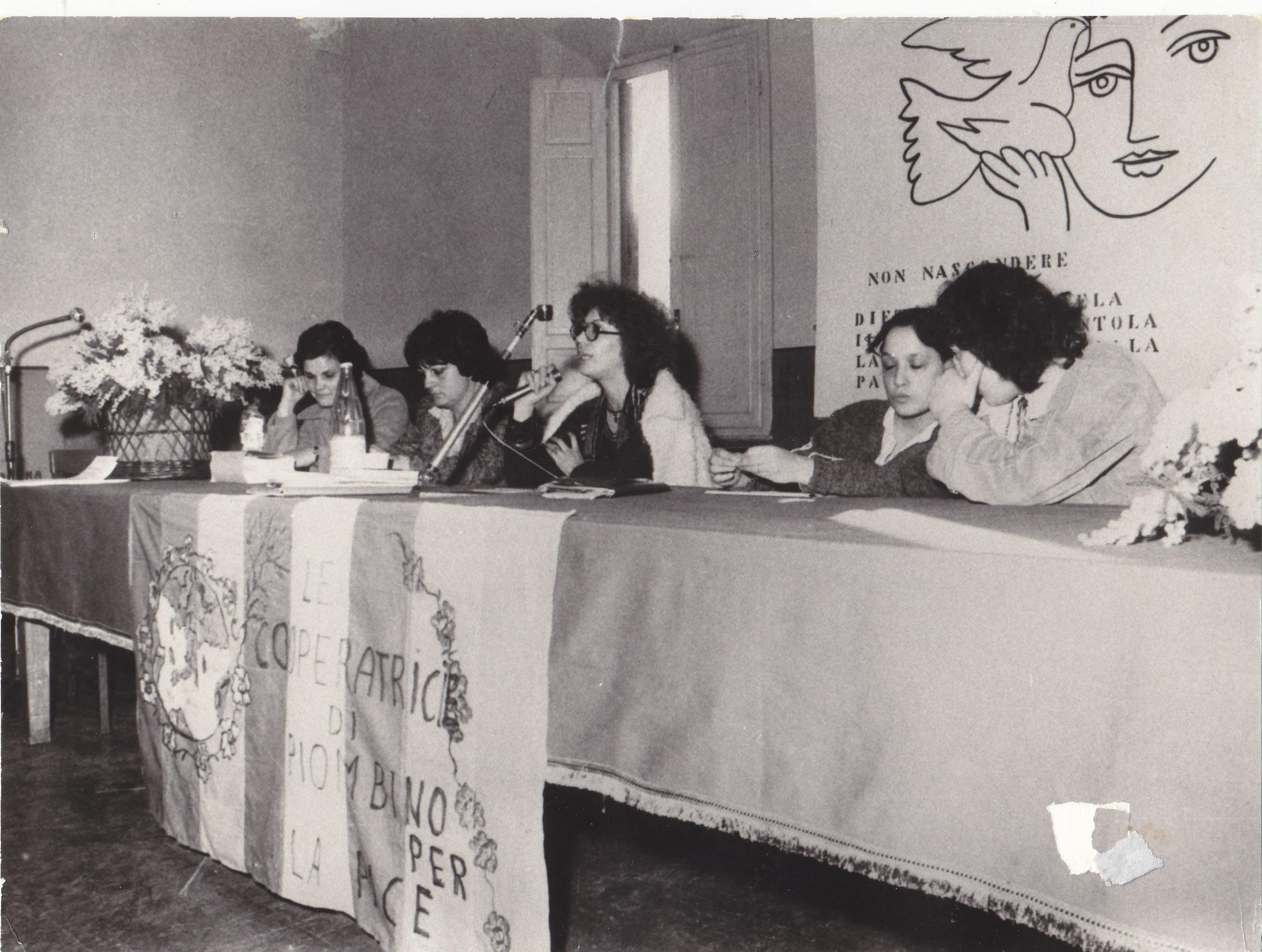 ASUT_Le Cooperatrici_di_Piombino_per_la_pace_1977