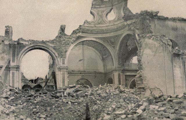 Macerie della chiesa di Santa Maria Lauretana di Querceta (Seravezza, Lu), distrutta dai nazisti nel luglio 1944