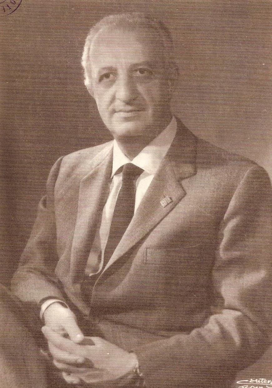 Il deputato socialista Leonetto Amadei fotografato negli anni del sottosegretariato di Stato all'Interno dei primi tre governi Moro (1963-1968)  e del sottosegretariato alla Giustizia del primo governo Rumor (1968).