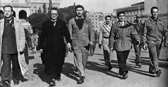 Roma, dicembre 1947. Da sinistra: Vittorio Bardini, Ilio Barontini, Walter Audisio e Francesco Moranino.