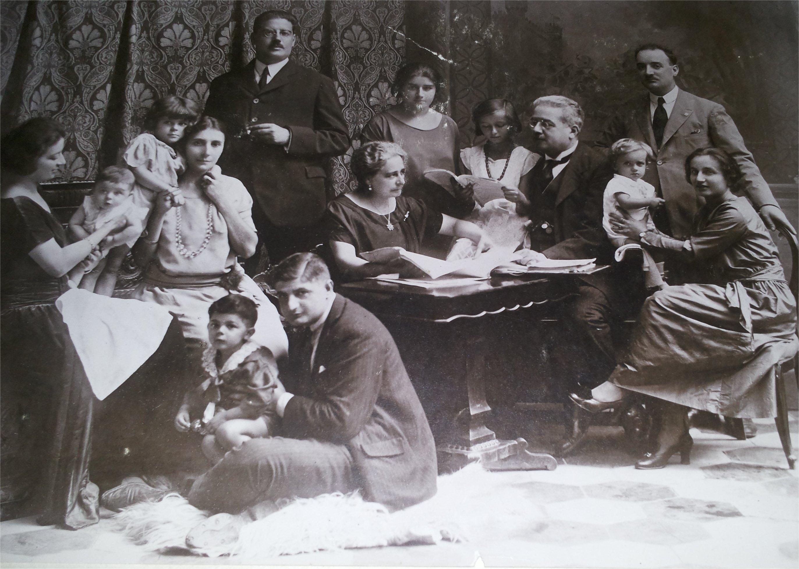 famiglia Castelli con figli e nipoti1