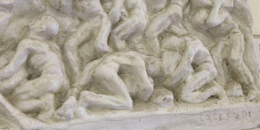 Particolare del bassorilievo in gesso di T. Faccendi