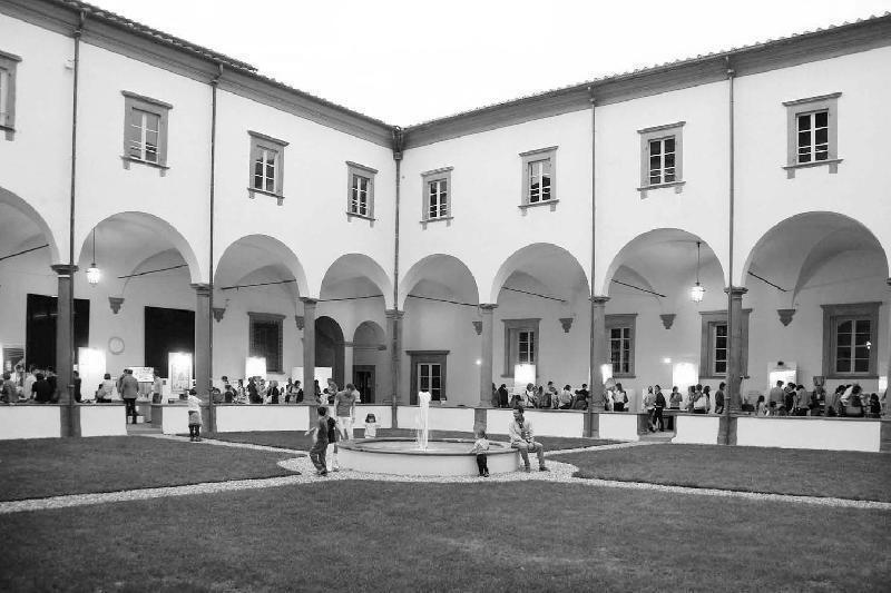 Fra 1947 e 1956, l'ex-Real Collegio di Lucca funse da campo raccolta profughi (CRP) per gli esuli giuliano-dalmati.