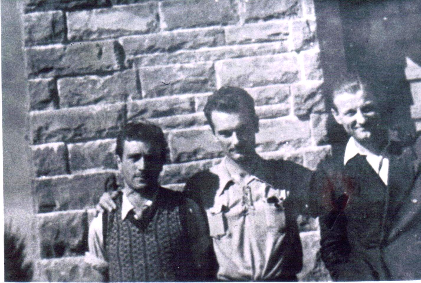 E.Capecchi-S.-Fedi-M.Capecchi-1944-S.Baronto (Lamporecchio) (1)
