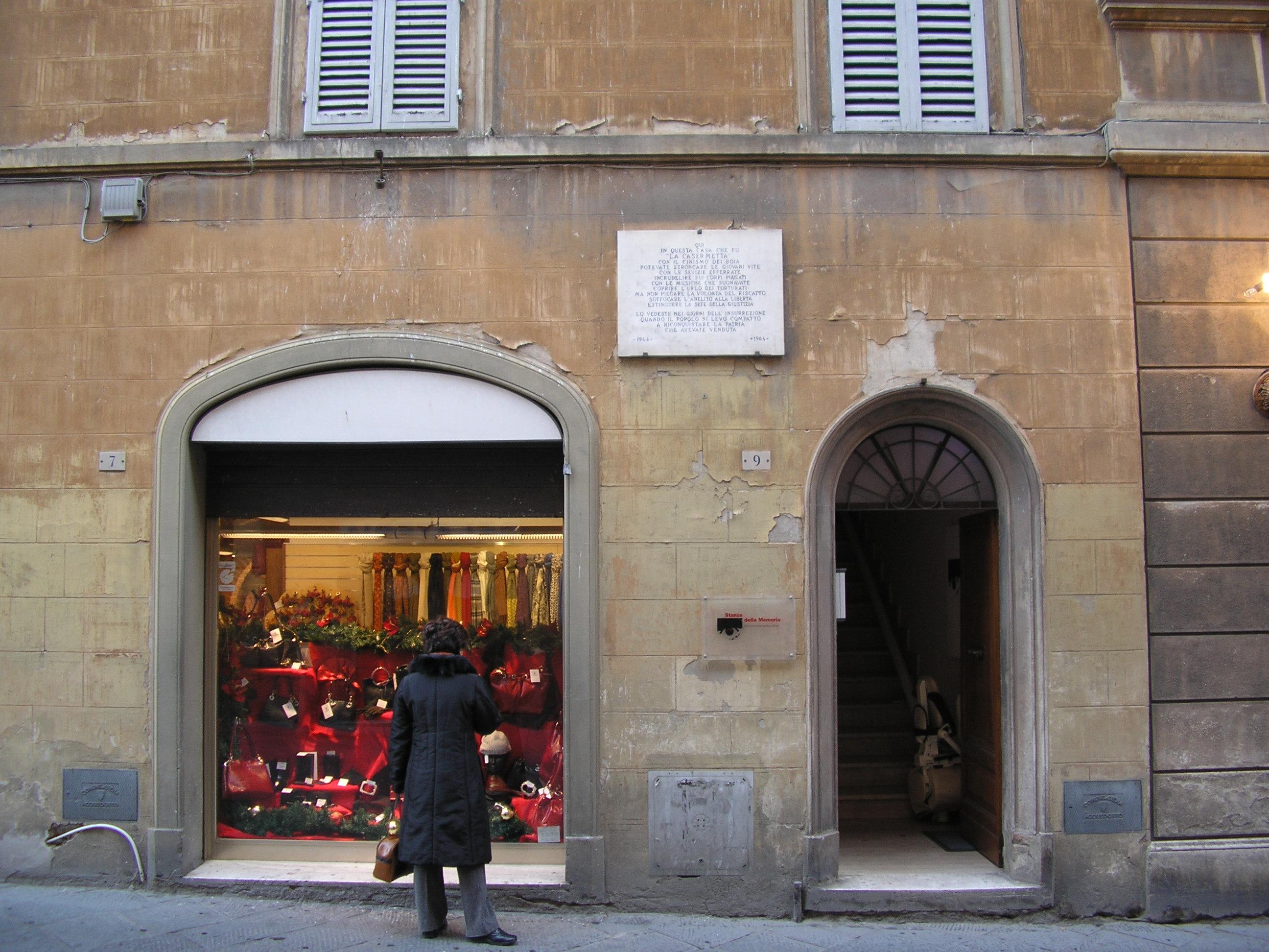 Palazzo Ciacci, in via Malavolti 9 a Siena, oggi sede delle Stanze della Memoria.  Negli anni '40 sede del Pfr