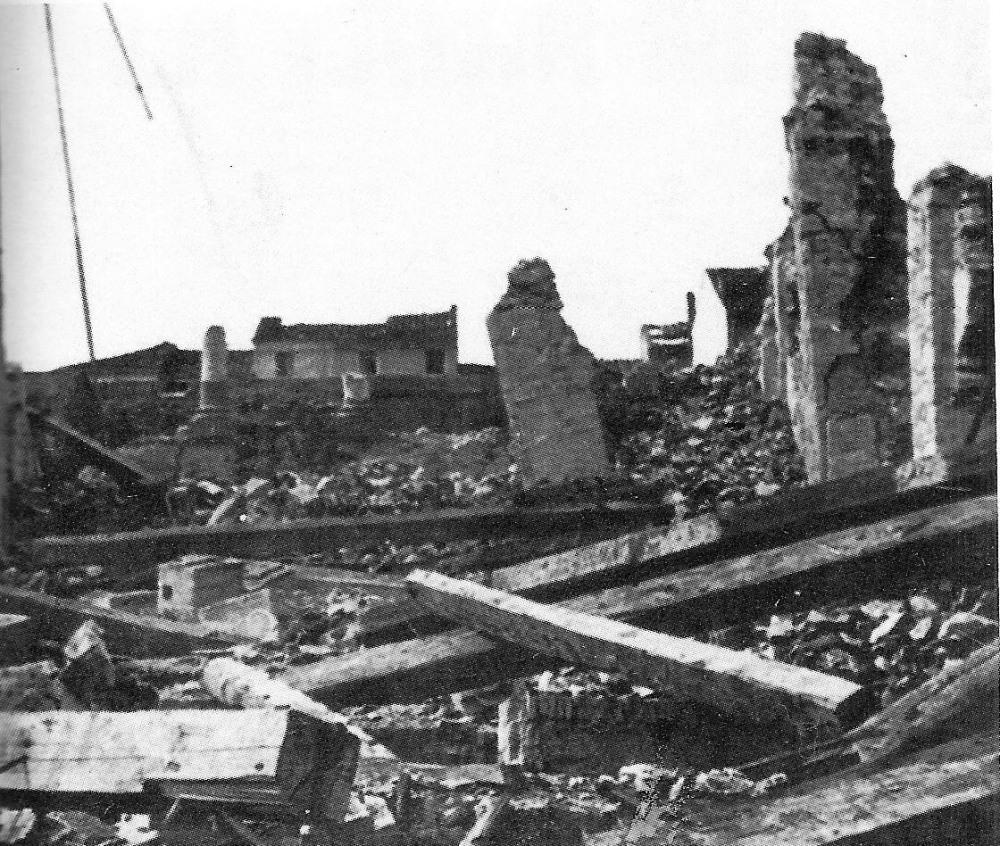 Viareggio: macerie della chiesa di Sant'Antonio, distrutta durante un'incursione angloamericana. (Fonte: sito Territori del '900)