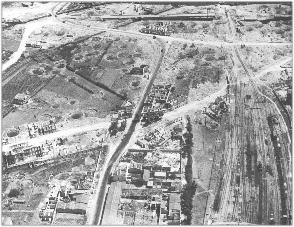 I risultati di un bombardamento nella zona della stazione ferroviaria di Viareggio (Fonte: sito del Comune di Viareggio - Sistema Informativo Territoriale).