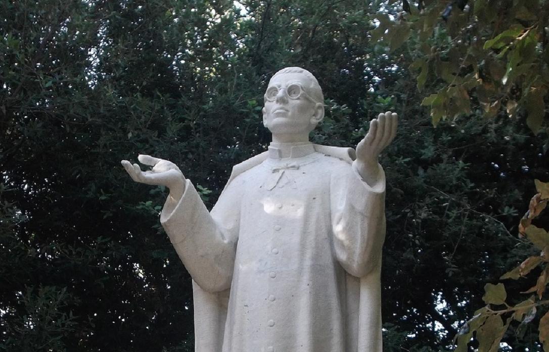 2b monumento (particolare)