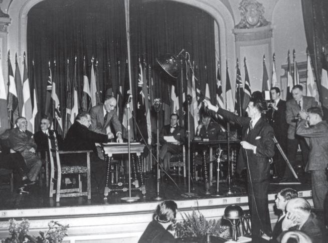 16 ottobre 1945,  Quebec,  Canada: firma della Costituzione della FAO